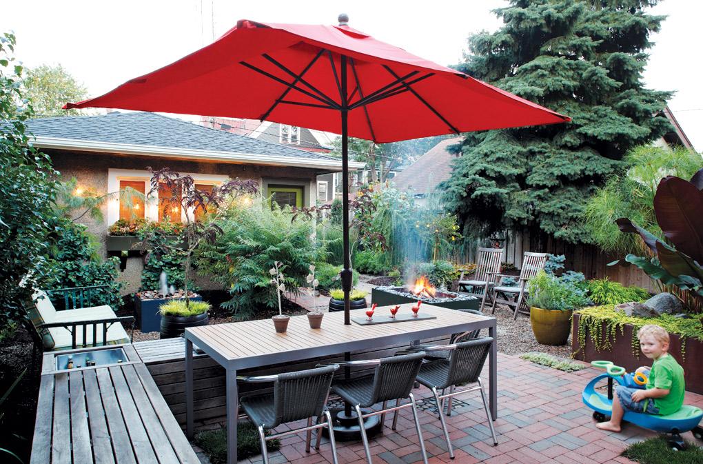 Minneapolis-Urban-Backyard_Dining