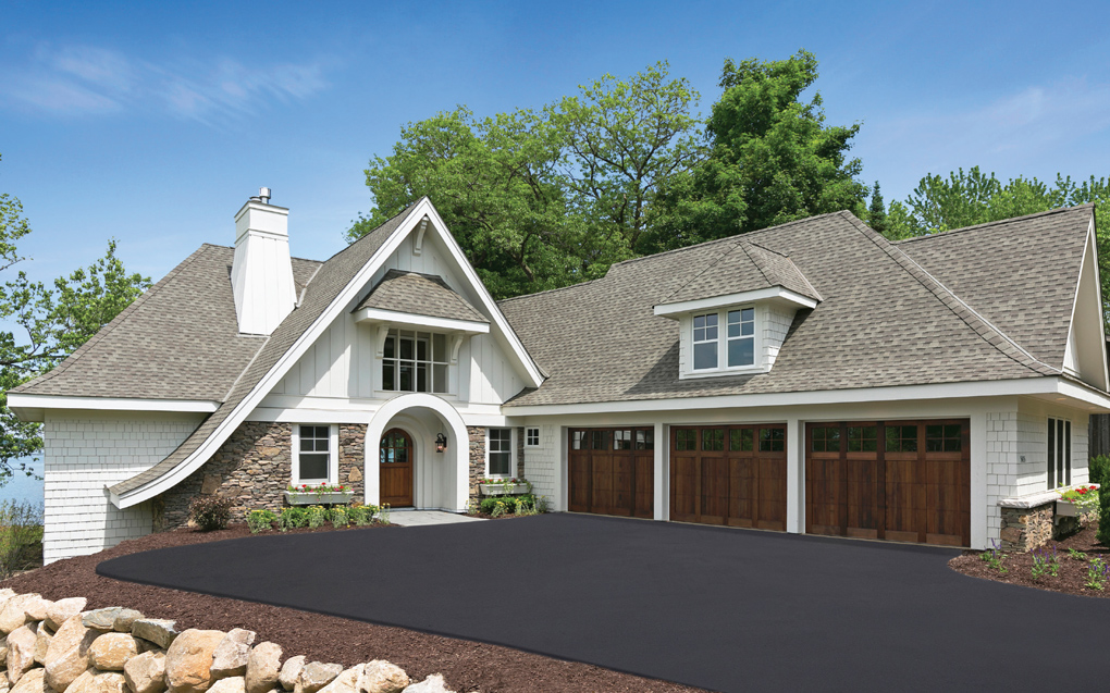 Luxury-Home-Tour_Vinehill_Driveway_Home-Exterior