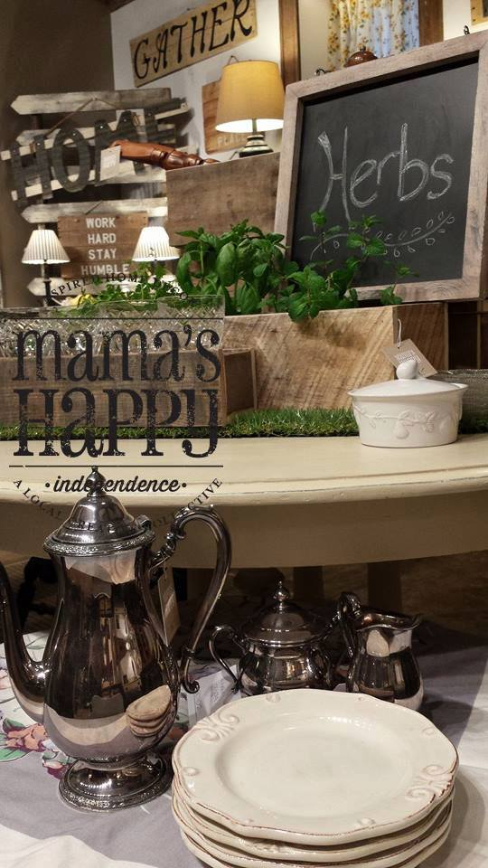 Dining room vignette in Mama's Happy on Grand, painted with Annie Sloan Chalk Paint. Photo by Tracy Jean Photography