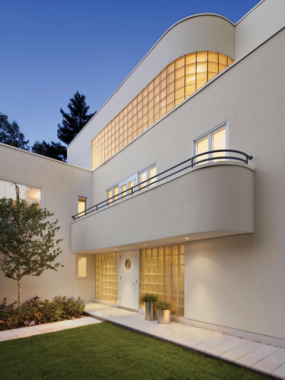 International Style house, designed by James Brunet