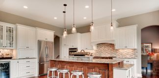 Luxury-Home-Tour_Creek-Hill-Custom-Homes_Kitchen