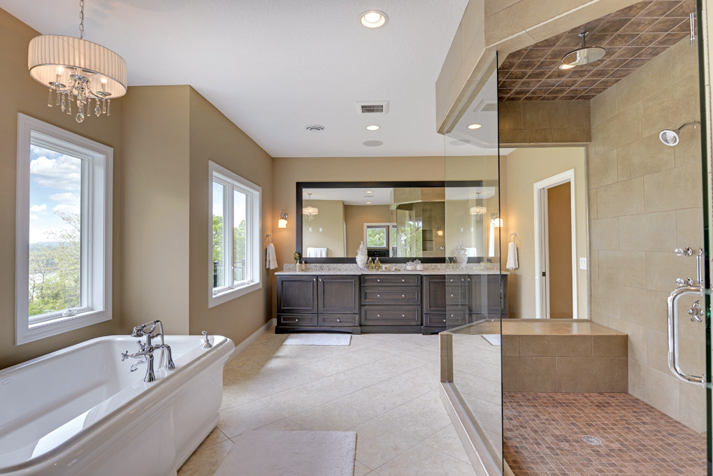 Luxury-Home-Tour_Dreamstructure-Designbuild_Bathroom