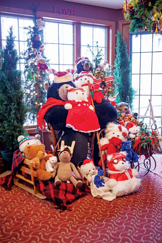 Styrlund_Christmas_Santa-Bear