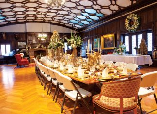 Summit-Avenue_Christmas_Dining-room