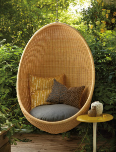img_2015-09_Stylist_Secret_Hanging-Chair_Patio_Exterior_G