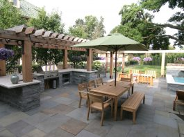 Photo of a backyard by Yardscapes, Inc