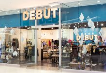 The storefront of Debut at Mall of America.