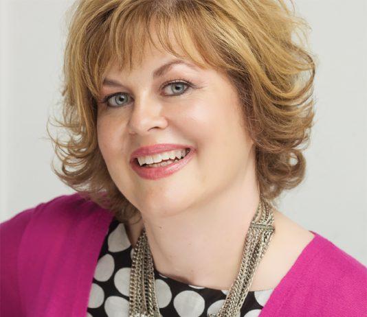 A portrait of Lisa Peck.