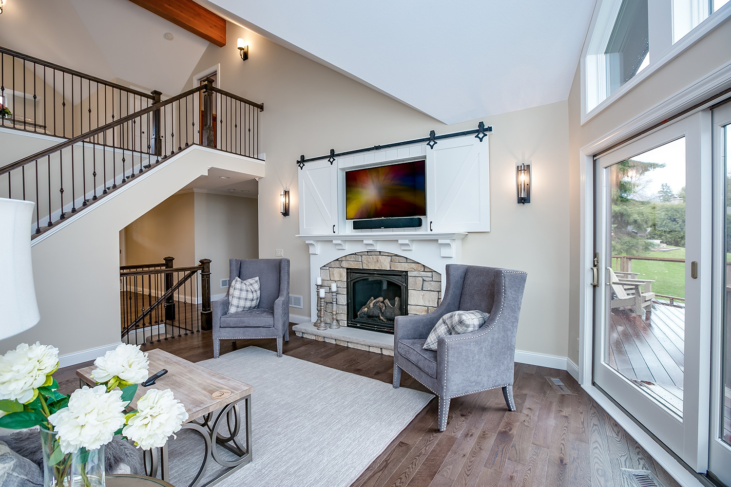 Photo of a renovated living room by XPAND, Inc