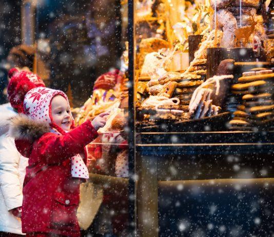 Children window shopping